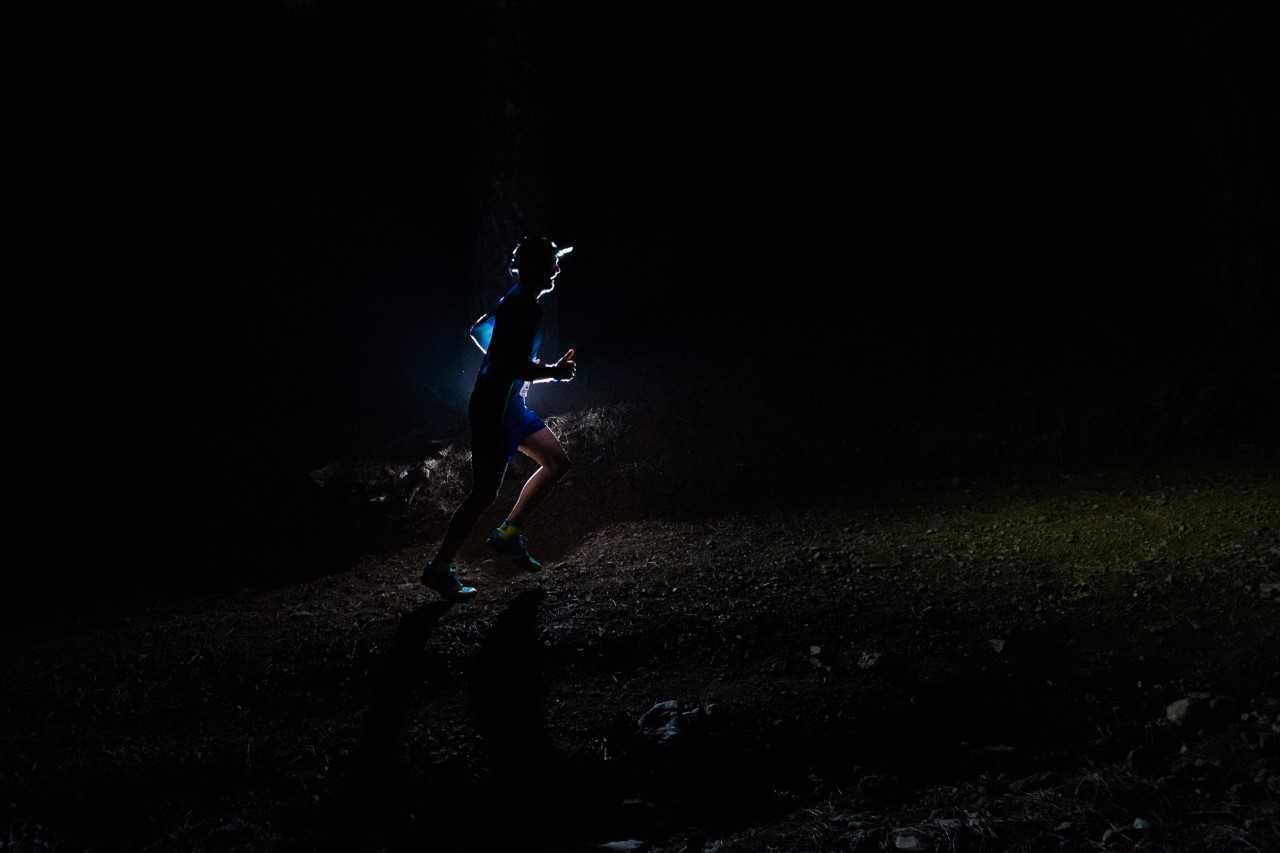 La subida, en la noche de La Palma.