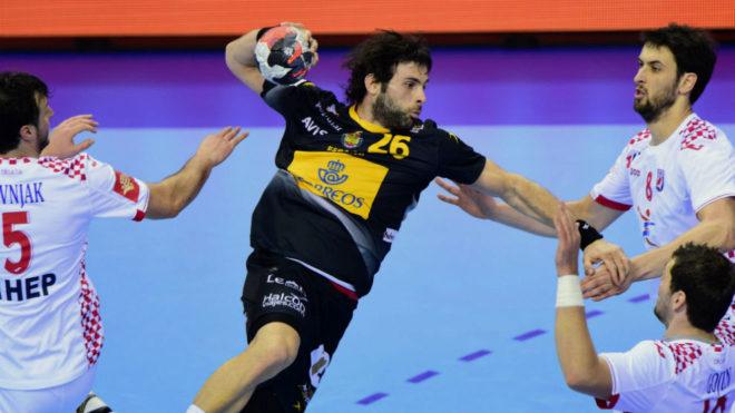 Antonio García, en un partido de la selección.