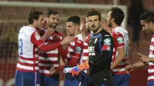 Jugadores del Granada celebrando una victoria