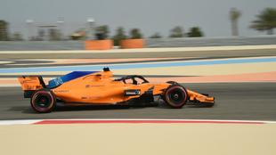 Fernando Alonso, en el circuito de Sahkir