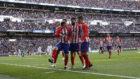 Los jugadores del Atlético celebran el gol de Griezmann.