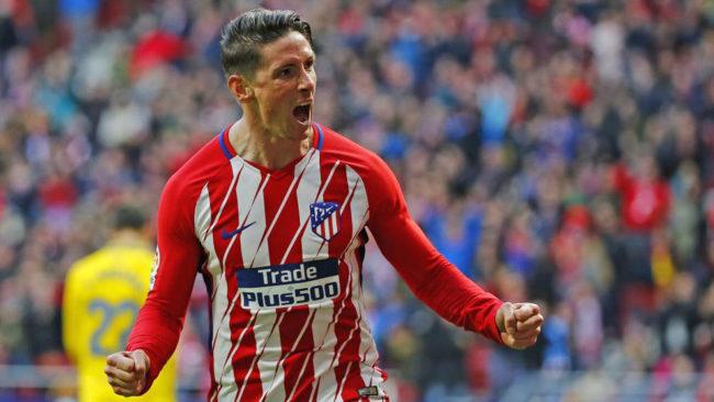 Fernando Torres celebra un gol en el Metropolitano.