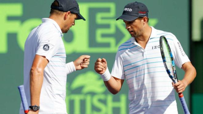 Bob y Mike Bryan durante la final del Masters 1000 de Miami.
