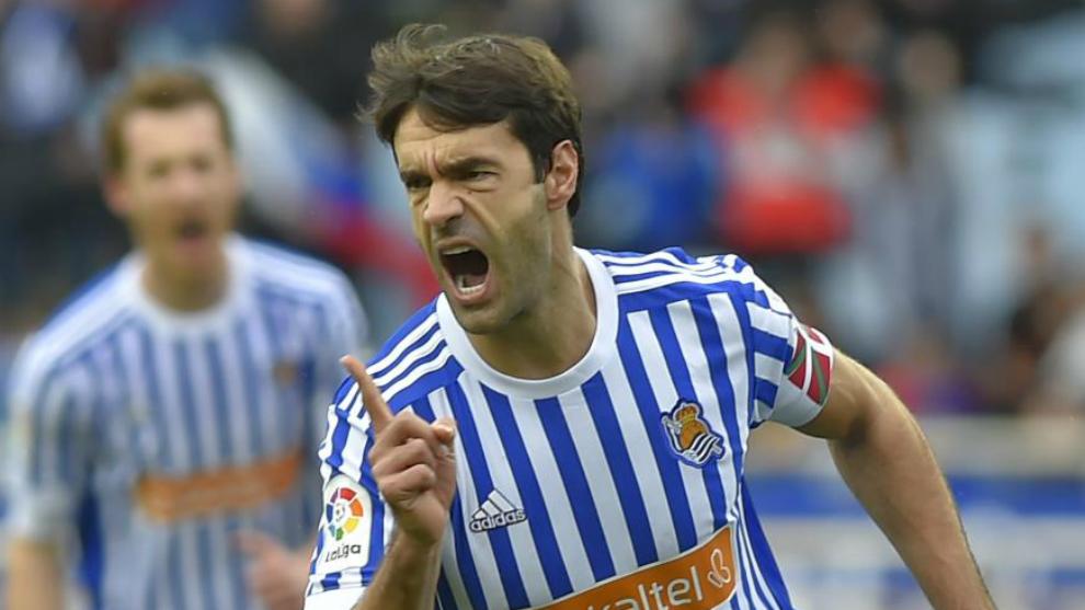 Xabi Prieto celebra un gol.