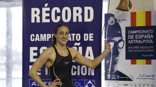 Lidón Muñoz, tocando la campana por su nuevo récord nacional de 50...
