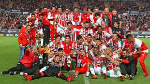 Necaxa celebra el título de la Copa MX