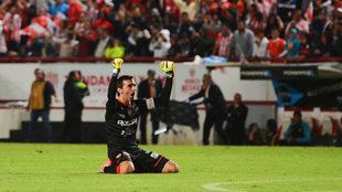 Marcelo Barovero en festejo durante la final de la Copa MX.