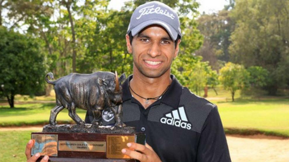 Aaron Rai, con el trofeo de ganador del Open de Kenia.