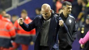 Paco López celebra una victoria con el Levante.