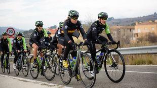 La campeona de España, Sheyla Gutiérrez, con sus compañeras del...