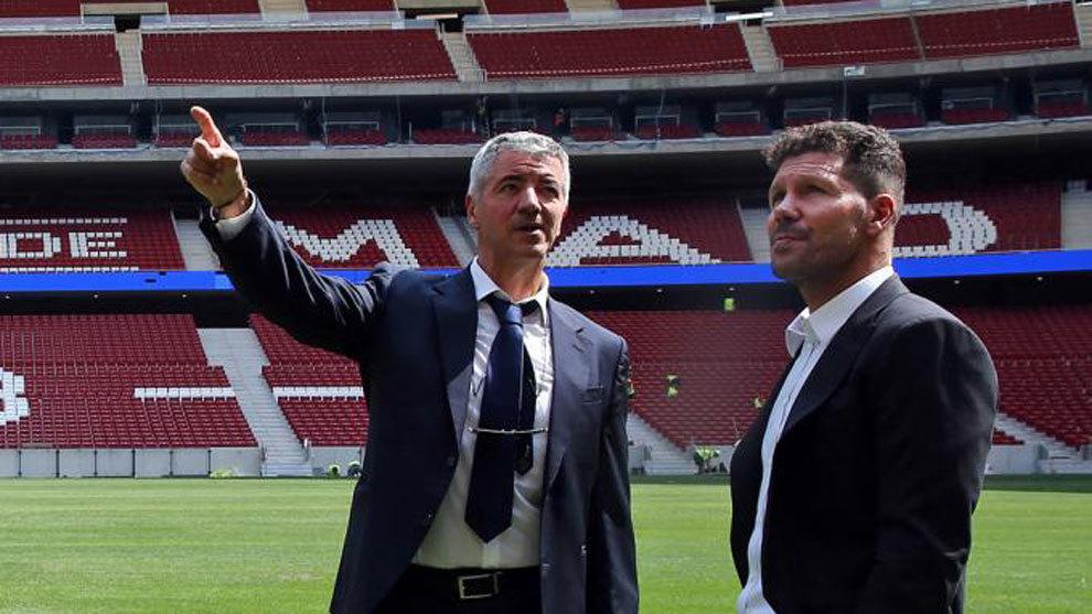 Gil Marín y Simeone, en el Wanda Metropolitano, el pasado mes de...