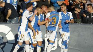 Lo jugadores del Leganés celebrando el gol