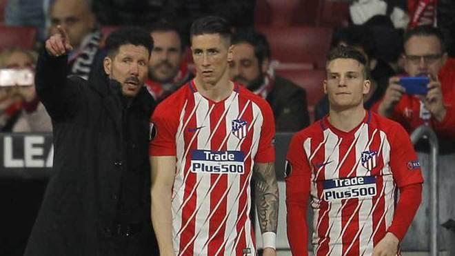 Simeone da indicaciones a Torres y Gameiro