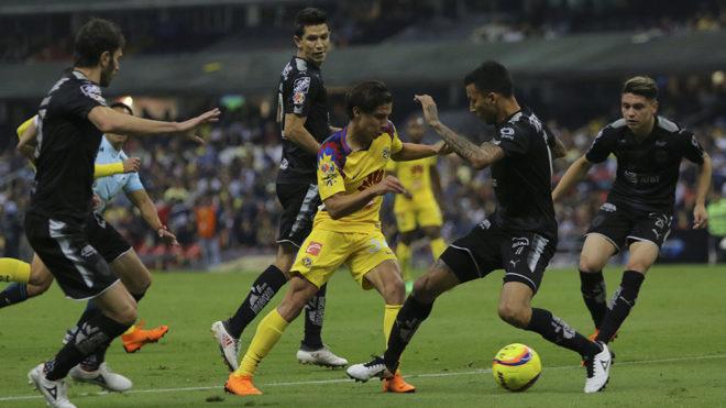 Diego Lainez regresó a la titularidad con el América.