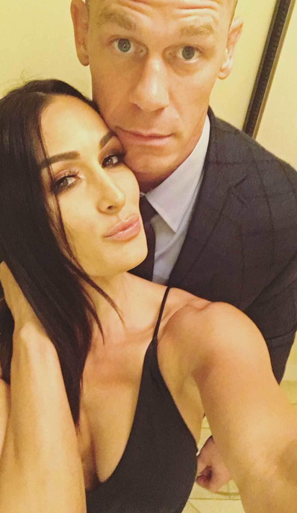 [VIDEO] John Cena y Nikki Bella se graban completamente