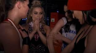Ronda Rousey comentando su Wrestlemania 34 con Nikki, Brie y Natalya,...