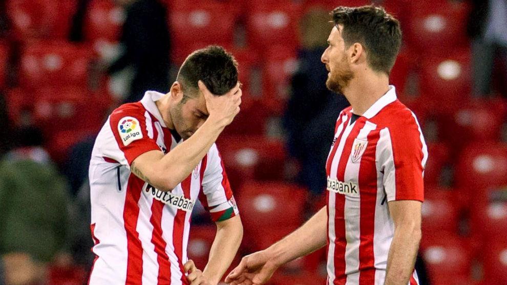 Susaeta y Aduriz durante el partido contra el Deportivo