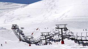 La primavera, la mejor temporada de esquí de la estación granadina