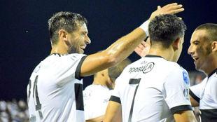 Roque celebra su gol con Olimpia.