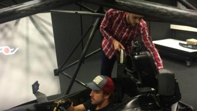Alonso, en el simulador de AOTech.