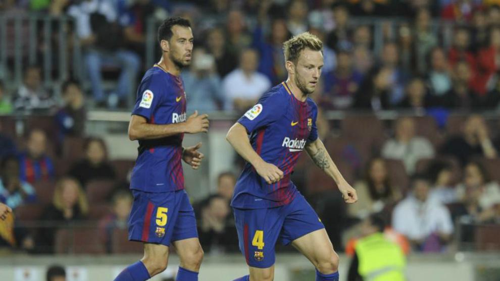 Busquets y Rakitic, inseparables en la medular del Barça.