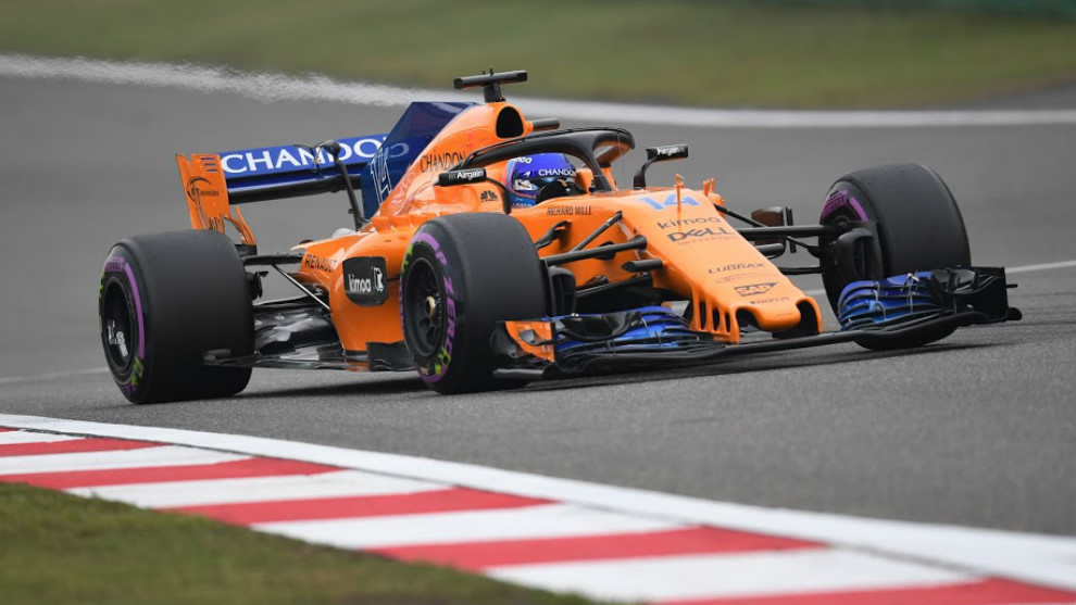 Fernando Alonso, con el MCL33 en China