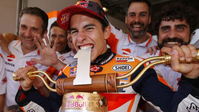 Márquez celebra su triunfo en Austin en 2017.
