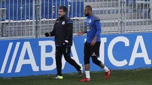 Sidnei durante un entrenamiento con el Deportivo.