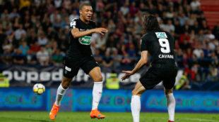 Mbappé celebra su primer gol al Caen.