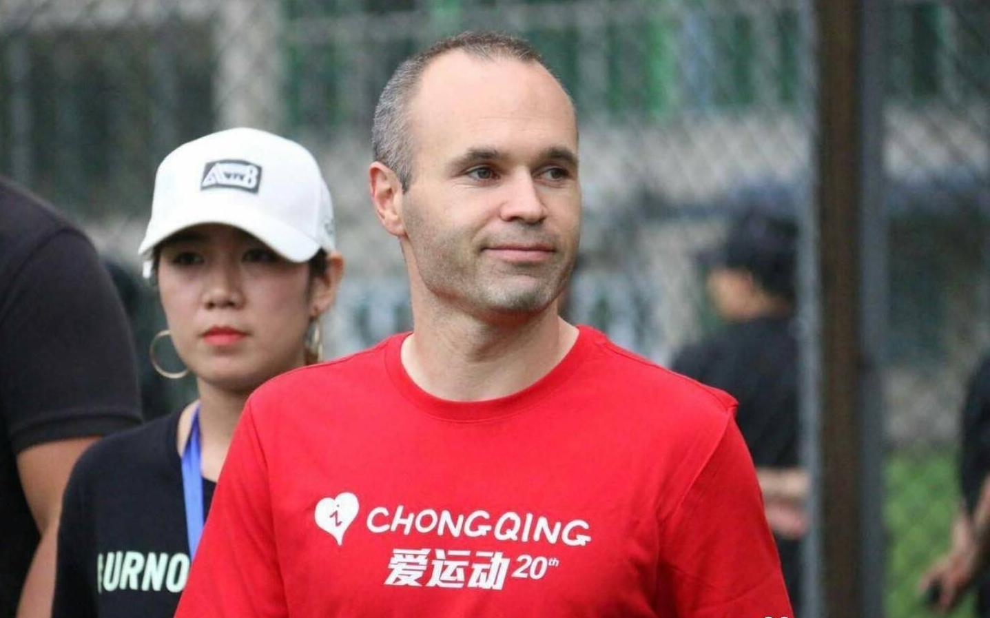 El presidente del Chongqing desliza el fichaje de Iniesta