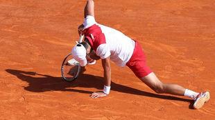 Djokovic, en el suelo