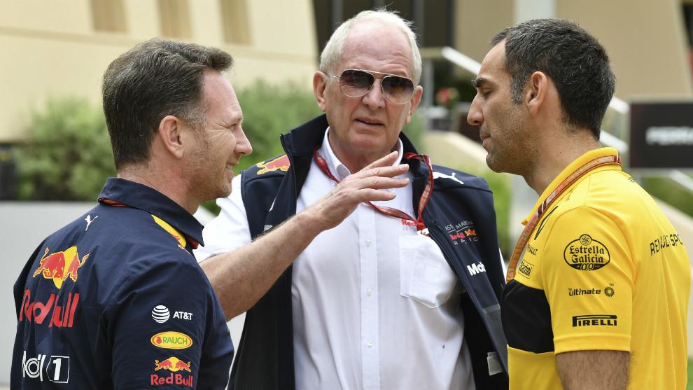 Helmut Marko, junto a Christian Horner y Cyril Abiteboul
