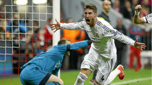 Sergio Ramos celebra un gol en el Allianz en el año de la Décima.