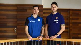 Ortiz y Paco Sedano posan en el hotel de concentración de los...