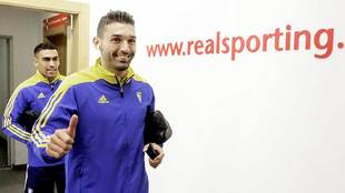 David Barral en El Molinón antes del partido de la primera vuelta