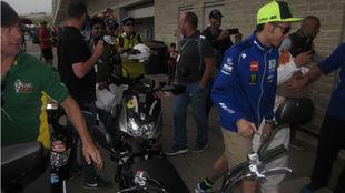 Valentino Rossi, a la llegada a la reunión.