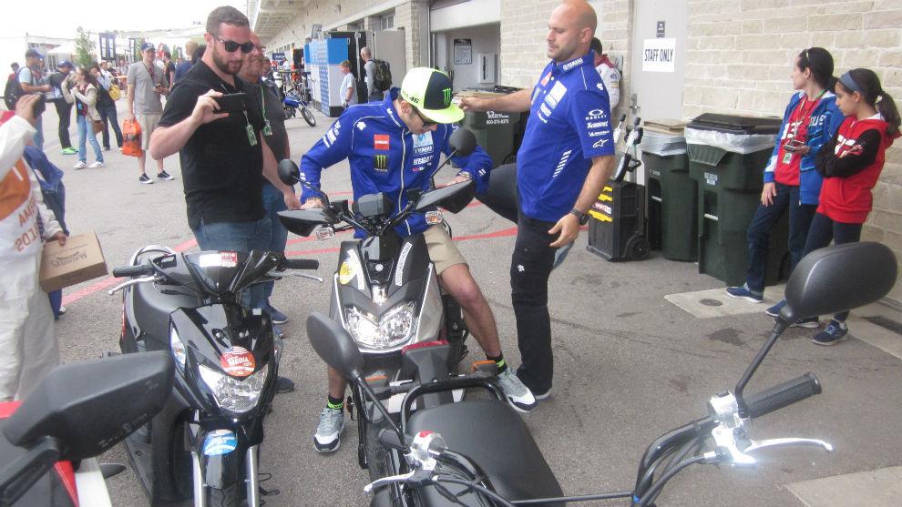 Valentino Rossi, al llegar a la reunión en Austin.