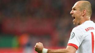 Robben celebra con rabia un gol con el Bayern.