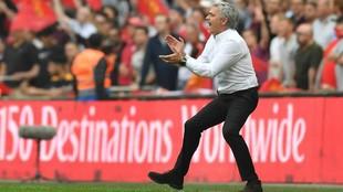 Mourinho, durante la semifinal de la FA Cup en Wembley