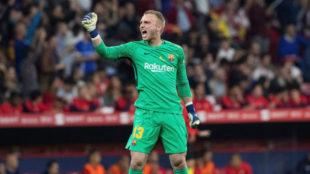 Cillessen celebra el 1-0 del Barça.