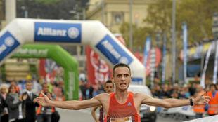 Carles Castillejo llegando a meta