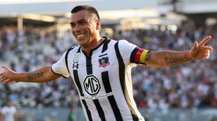 Esteban Paredes celebra uno de sus goles ante Deportes Temuco.