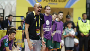 Javi Rodríguez, durante el partido frente al Barcelona Lassa.