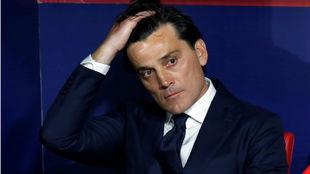 Montella (43), en el banquillo del Wanda Metropolitano.