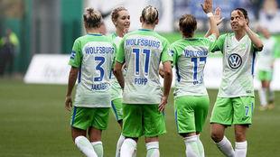 Las jugadoras del Wolfsburgo celebran un gol esta temporada.
