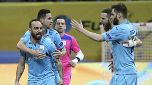 Los jugadores del Movistar Inter celebran uno de los goles.