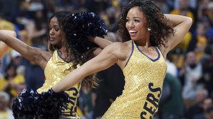 Las cheerleaders de los Pacers en acción
