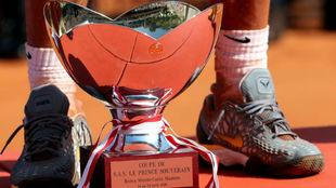 El trofeo de Montecarlo, en los pies de Nadal