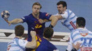 Aron Palmarsson durante un partido de la EHF Champions League.