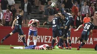 Los jugadores de la Cultural celebran el empate 'in...